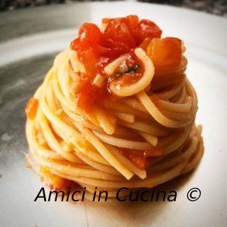 Spaghetto aglio, olio, pomodoro fresco e basilico