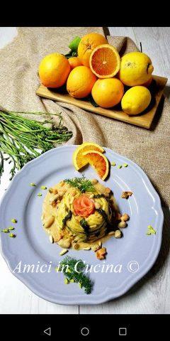 Linguine agli agrumi con salmone, asparagi e finocchietto