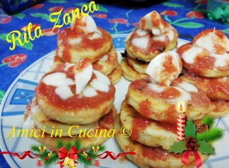 Alberelli di pizzette natalizi