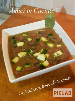 Zuppa zucchine, fagioli borlotti e guanciale