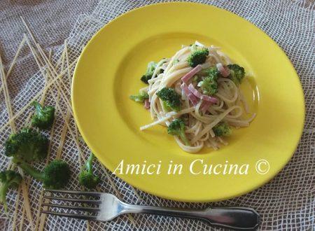 Spaghetti con broccoli speck robiola