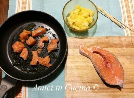 Spiedini ananas e salmone