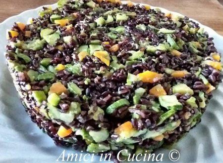 Insalata tiepida di riso venere e verdure
