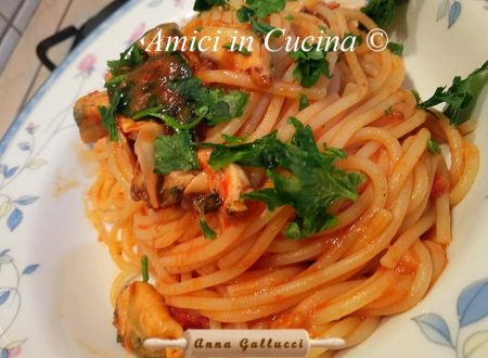 Spaghetti cozze e pomodorino fresco