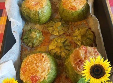 Zucchine ripiene di riso, tonno e pomodorini