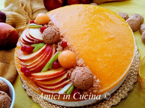 Cheesecake alla pesca e amaretti