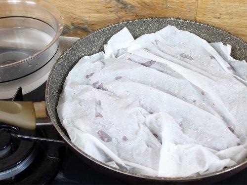 Castagne al forno o in padella con il trucco della carta forno