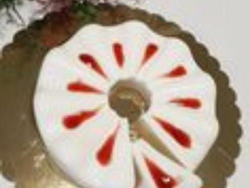 Panna cotta con salsa di fragole