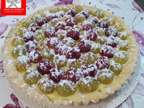 Crostata senza glutine con crema pasticcera e uva