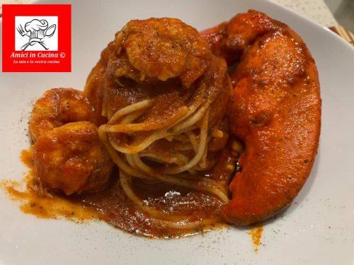 Spaghetti con sugo d'astice e gamberoni