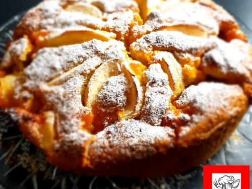 Torta morbidosa mele e marmellata