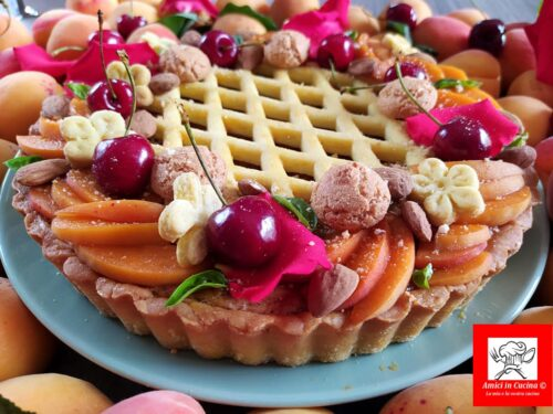 Crostata con albicocche e crema frangipane