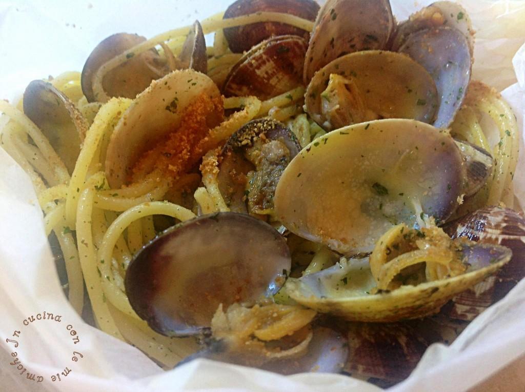 image45 1024x764 Spaghetti con le vongole al cartoccio