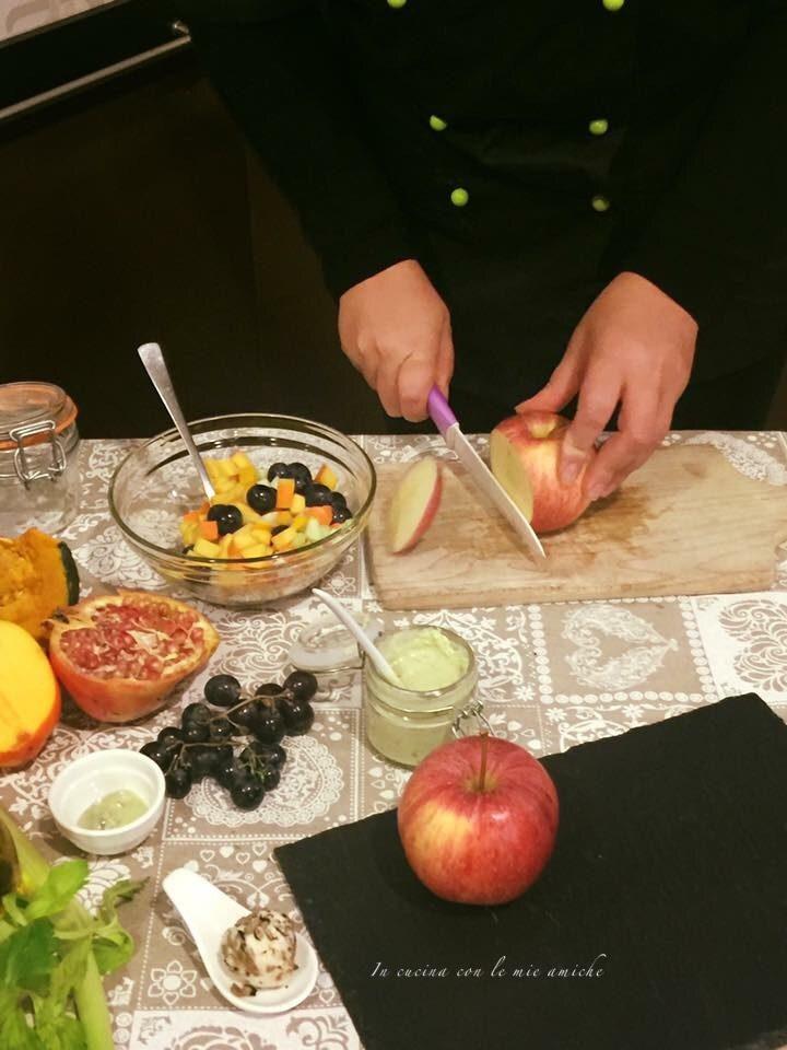 IMG 4452 720x960 Insalata invernale di frutta con salsa al basilico