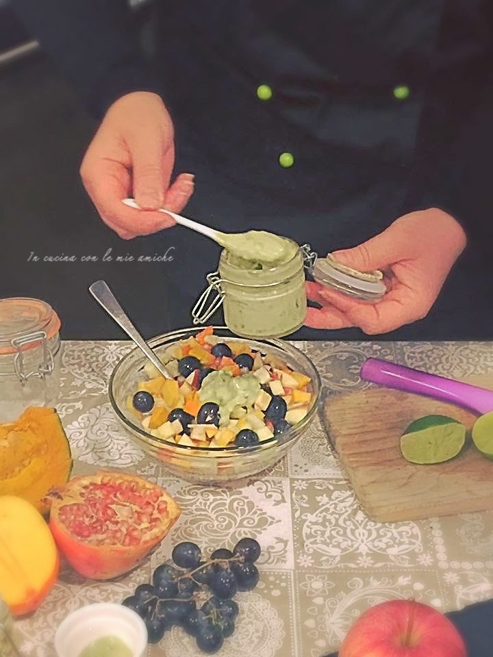 IMG 4454 720x960 Insalata invernale di frutta con salsa al basilico