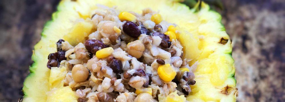 Insalata di cereali all'ananas