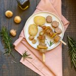 Spiedini di salsiccia e patate