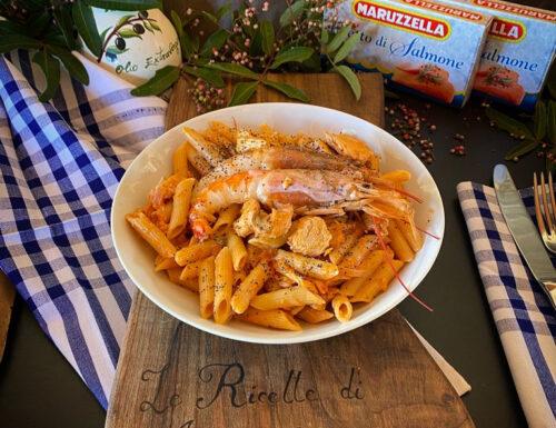 PENNETTE CON SALMONE GAMBERONI E SEMINI DI PAPAVERO un primo piatto facilissimo e super gustoso