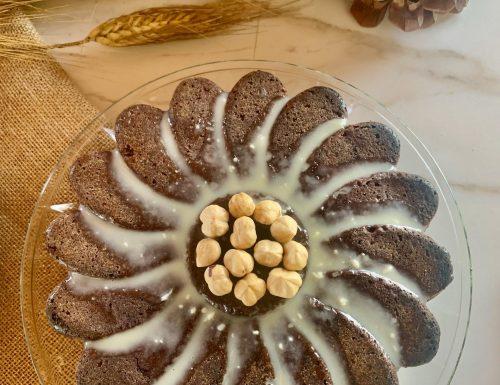 TORTA AL CIOCCOLATO CON GRANELLA DI NOCCIOLE e ganache al cioccolato bianco