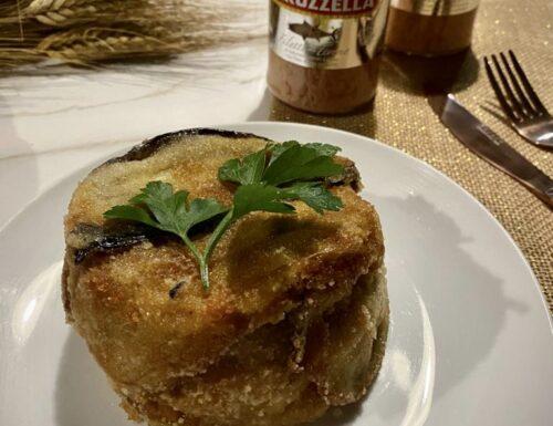 TORTINO DI MELANZANE  con tonno al naturale e pesto di pistacchi, filante