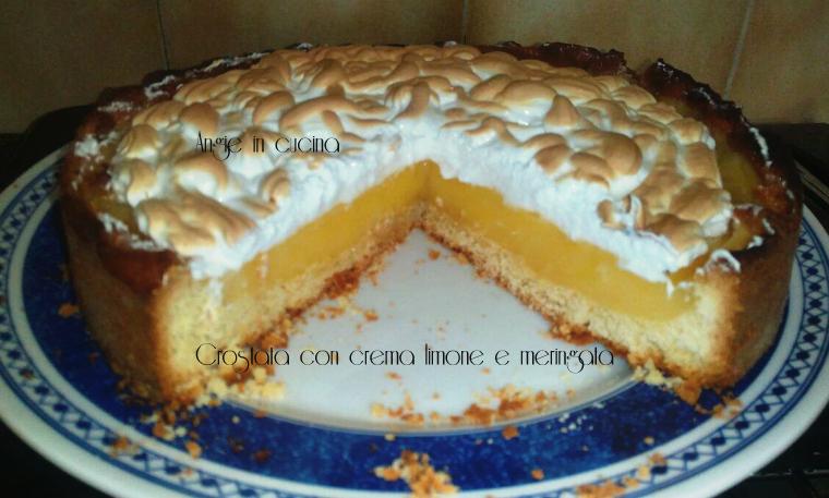 Crostata con crema al limone e meringata