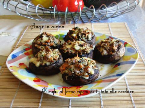 Funghi al forno ripeni di tritato alle verdure