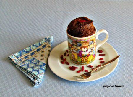Mugcake marocchina con bacche di goji