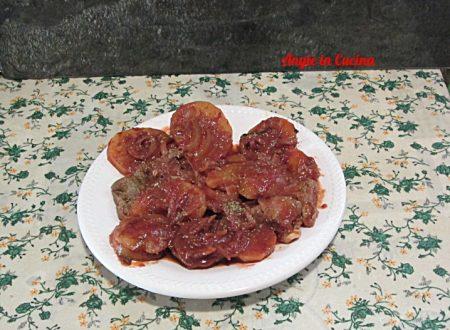Carne di vitello alla pizzaiola con patate  ricetta tipica