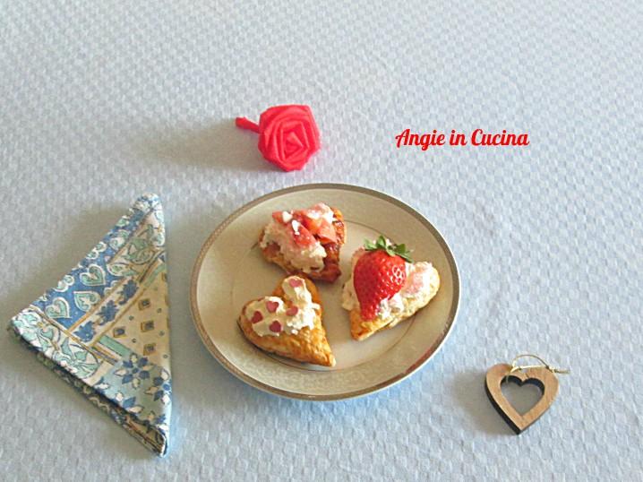 Cuori dolci alle fragole e panna