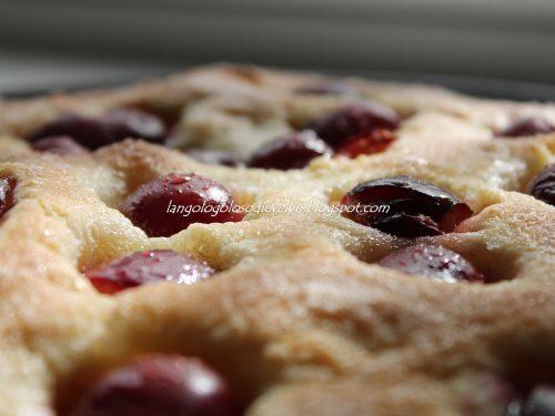 Focaccia dolce alle ciliegie [Ricetta di Fables de Sucre]