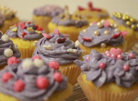 Mini cupcake alla vaniglia e fragole