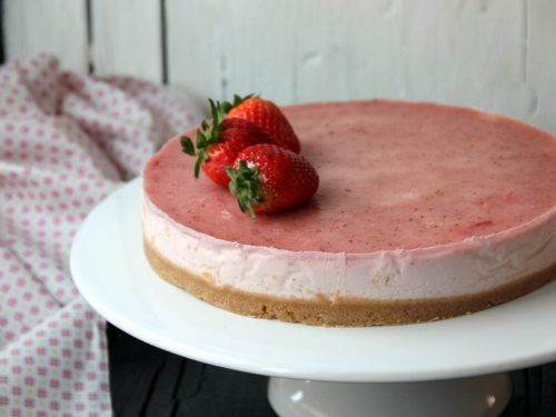 Cheesecake con yogurt greco e fragole