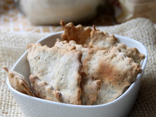 Cracker al farro con esubero di lievito madre