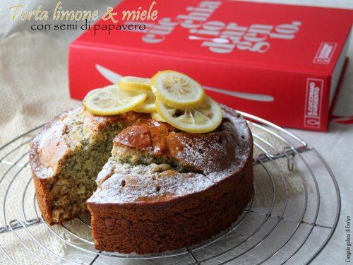 Torta al limone & miele con semi di papavero
