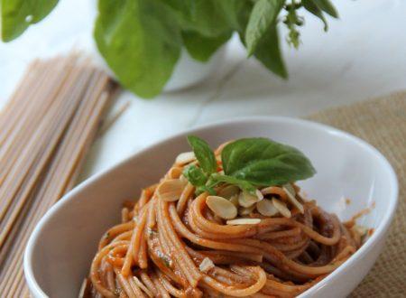 Spaghetti integrali al sugo di pomodoro&pesto