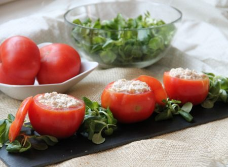 Pomodori freddi ripieni di tonno