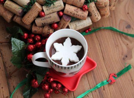 Cioccolata calda con fiocco di panna