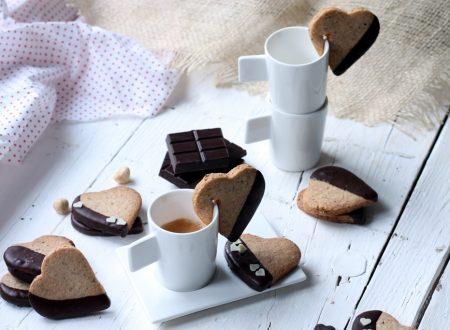 Biscotti cuore alle nocciole