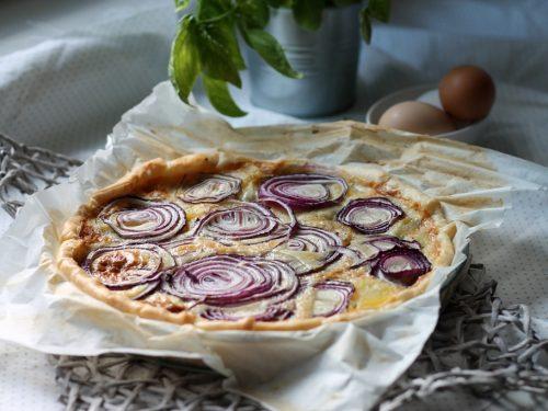 Torta salata alla cipolla rossa, patate e gorgonzola