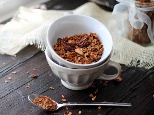 Granola fatta in casa (cacao & cannella)