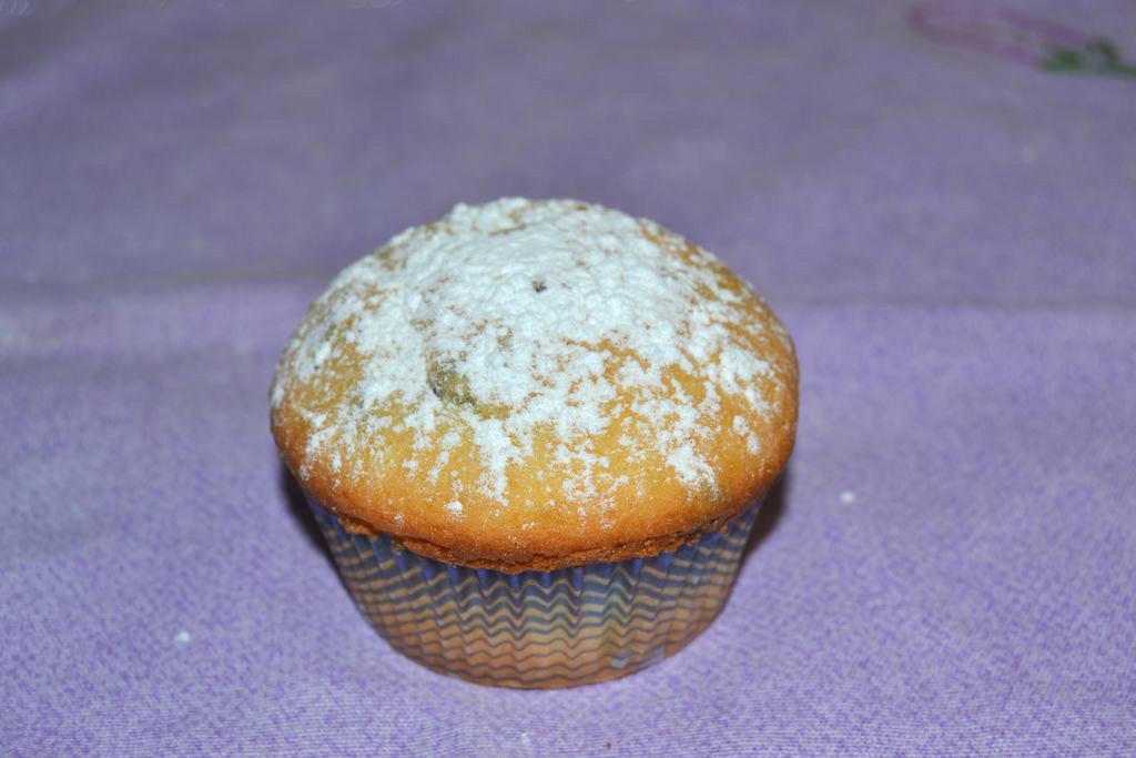 Muffin con gocce di cioccolato.