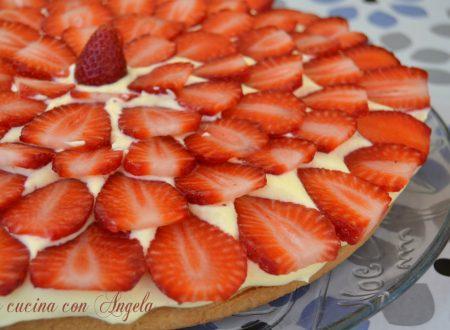 Crostata di fragole con crema pasticcera