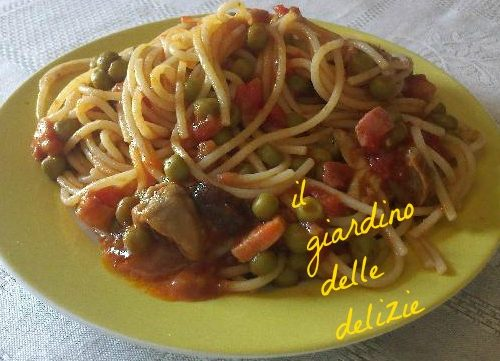 Spaghetti piselli funghi