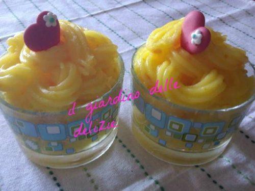 Crema al limone, fresco dolce al cucchiaio