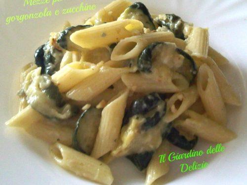 Mezze penne gorgonzola e zucchine