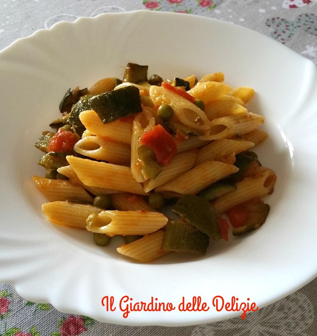 Pasta piselli e zucchine