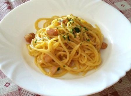 Spaghetti con uova e tonno