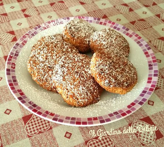 Biscotti di mais e noci