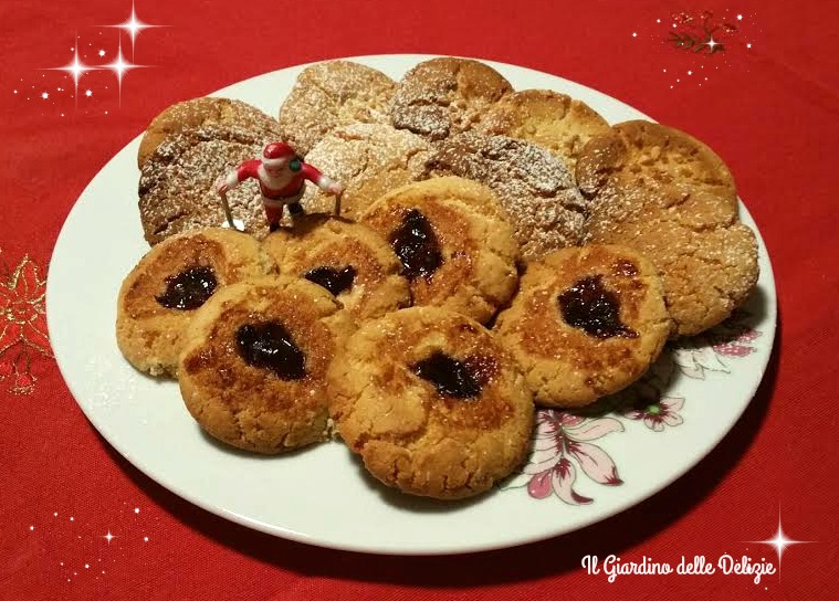 Biscotti farina di mandorle ed amaretti