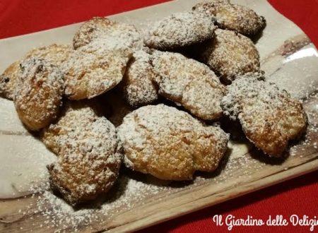 Biscotti semplici con frutta secca
